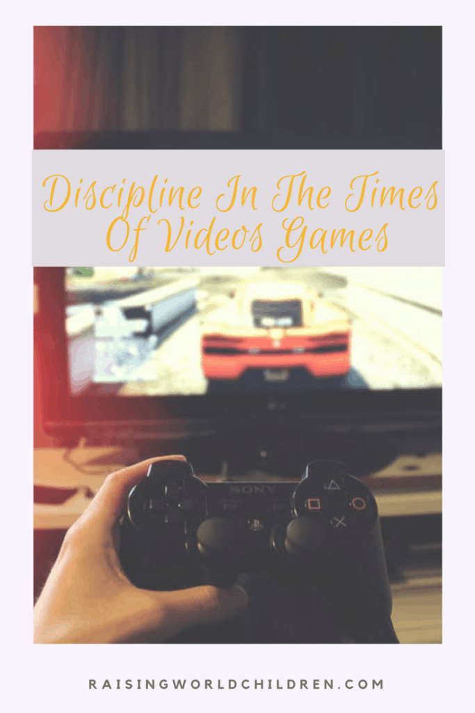How To Discipline Kids IN The Times of VIdeo/Online Games www.raisingworldchildren.com #onlinegames #videogames #discipline #parenting