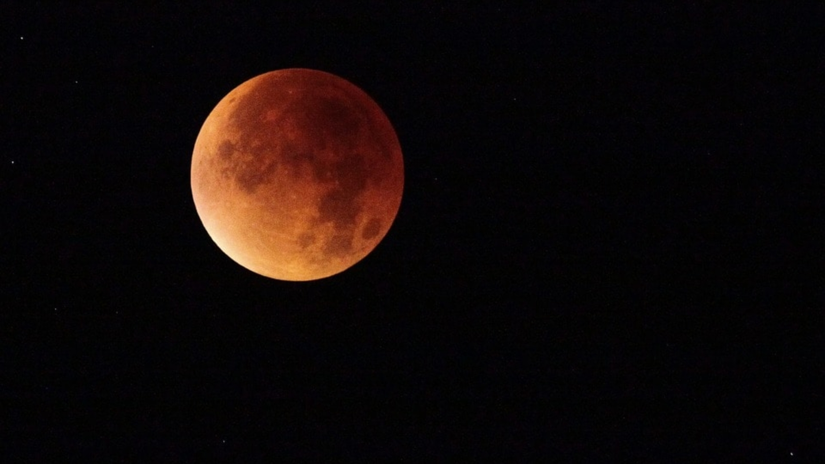 Pregnancy experience on a lunar eclipse
